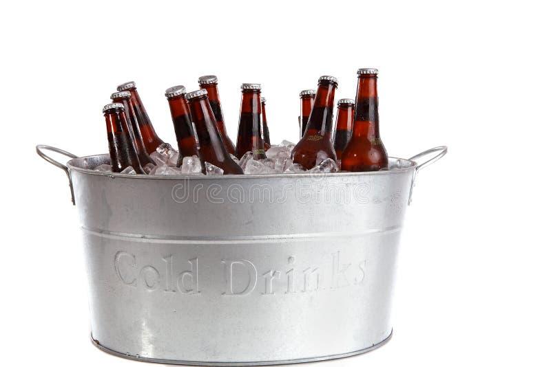 Twaalf flessen bier royalty-vrije stock afbeelding