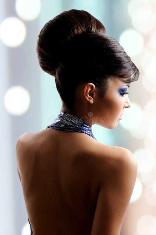 Twarz piękna kobieta z mody fryzurą i splendoru makeu obrazy stock