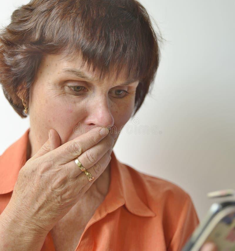 Twarz Wzburzona W średnim wieku kobieta zdjęcia stock