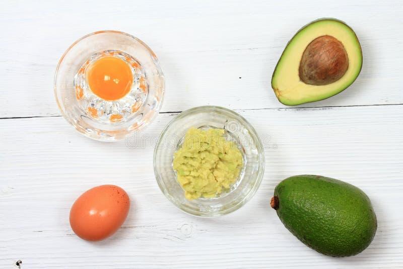 Twarzowa lub włosiana maska od avocado, jajko obrazy stock