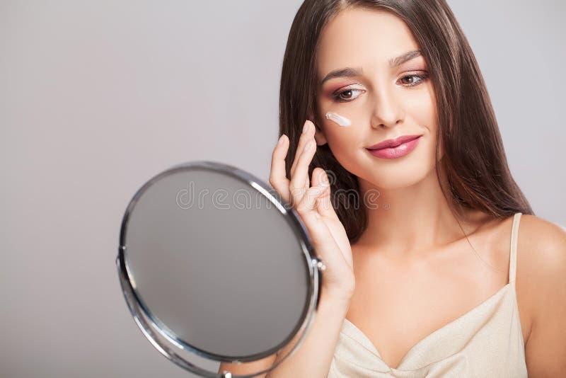 Twarzowy piękno Portret Seksowna młoda kobieta Z Świeżym Zdrowym S obrazy royalty free