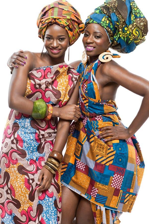 Twee Afrikaanse mannequins op witte achtergrond. royalty-vrije stock fotografie