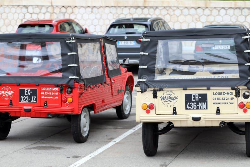 Twee de Franse Retro Auto's Achterweergeven van Citroën Mehari royalty-vrije stock foto's