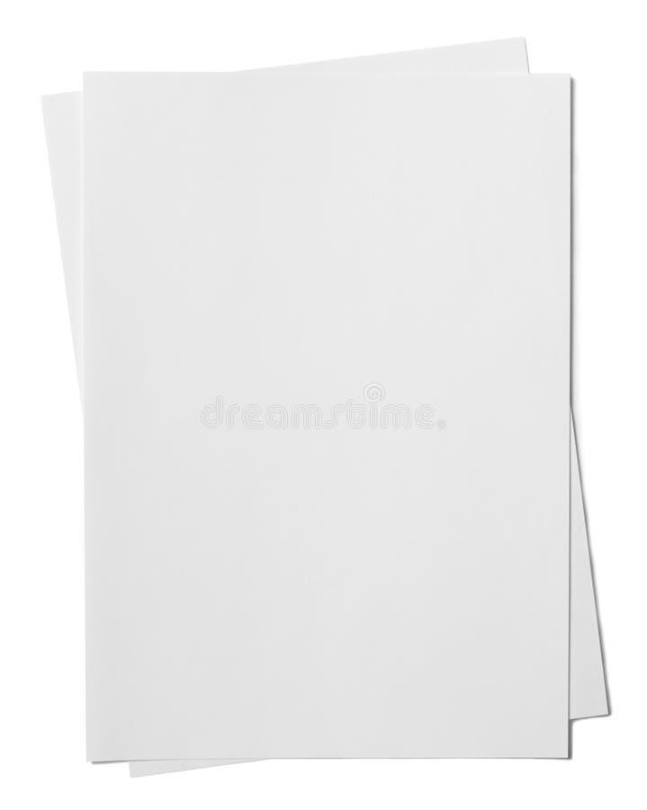 Twee document bladen die op witte achtergrond worden geïsoleerd stock foto