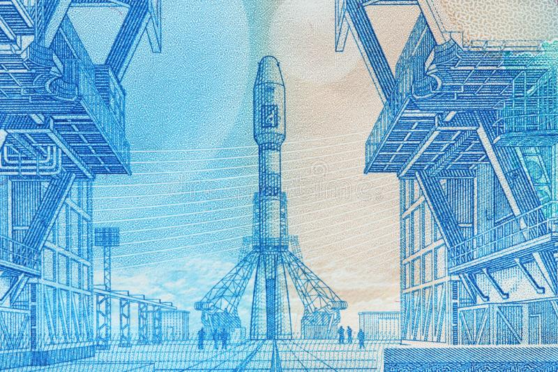 Twee duizend roebels met één bankbiljet Nieuw Russisch bankbiljet in twee duizend roebels in 2017 Contant gelddocument blauw geld stock afbeeldingen