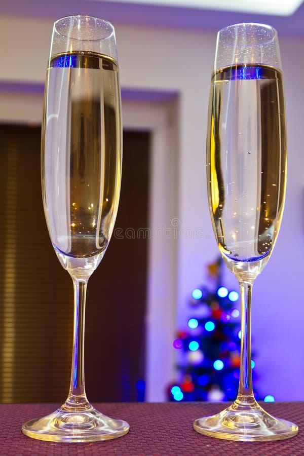Twee Fluiten Van Champagne Voor Gelukkig Nieuwjaar Stock Afbeeldingen