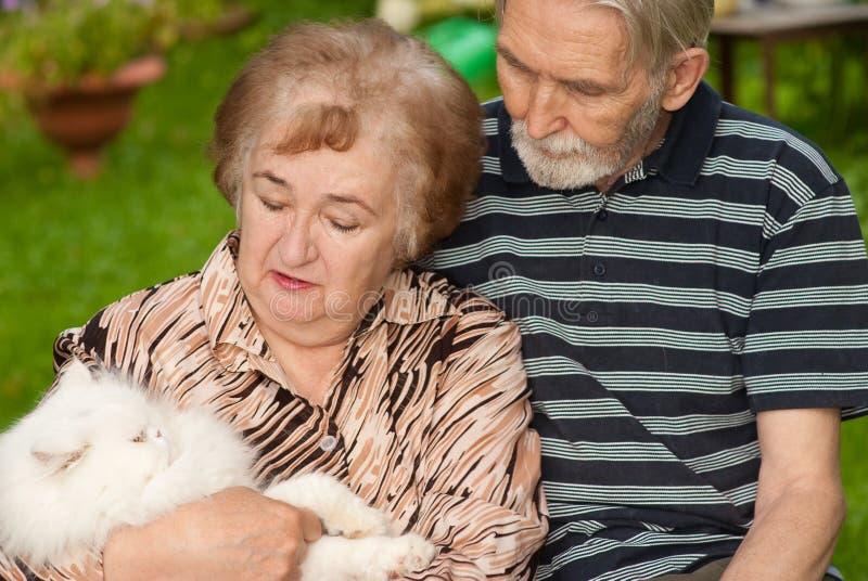 Twee gepensioneerden stock foto's