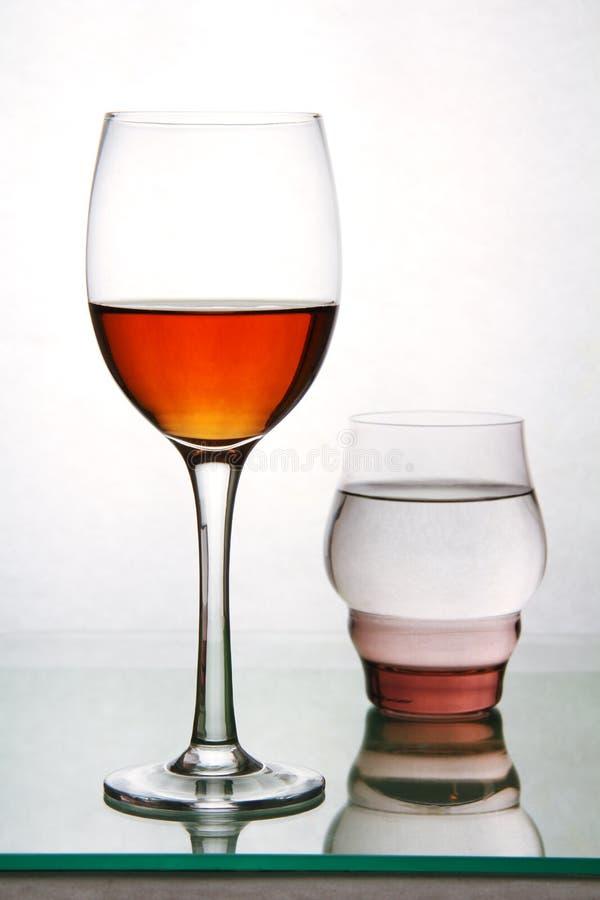 Twee glazen met dranken. royalty-vrije stock foto