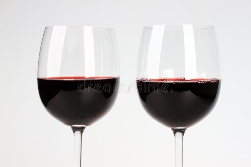 Download Twee glazen van wijnstok stock foto. Afbeelding bestaande uit transparant - 29503314