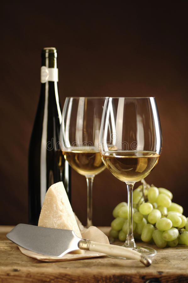 Twee glazen Witte Wijn, Riesling stock foto