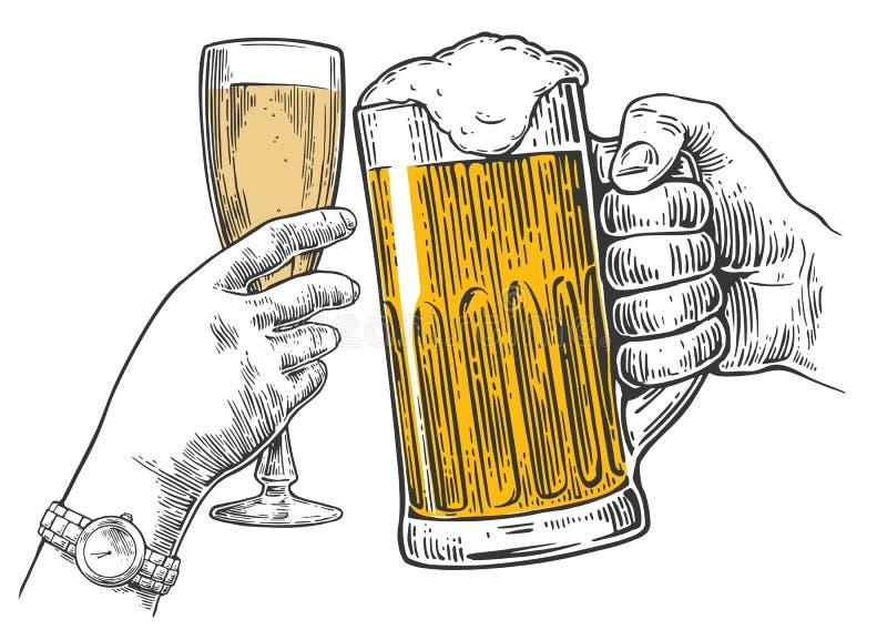 Twee handengerinkel een glas bier en een glas champagne Hand getrokken ontwerpelement Uitstekende vectorgravureillustratie voor W stock illustratie