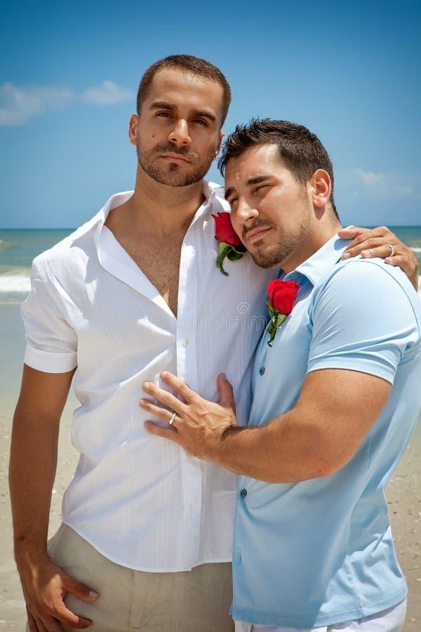Twee homoseksuelen bij het strand royalty-vrije stock foto's