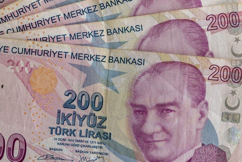 Twee honderd Turkse Lirebankbiljetten in omloop stock afbeelding