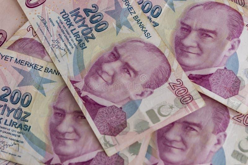 Twee honderd Turkse Lirebankbiljetten in omloop royalty-vrije stock afbeelding
