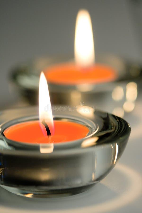 Twee kaarsen stock foto's