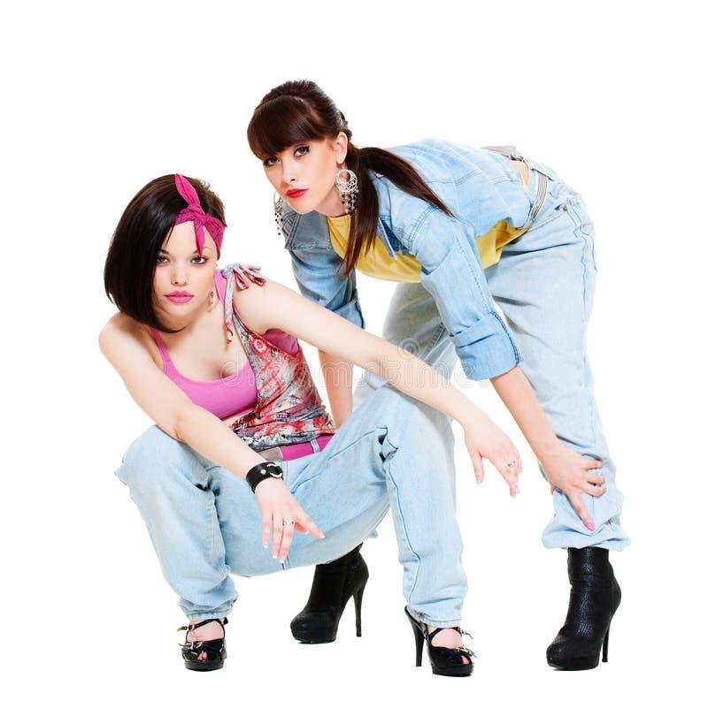 Twee koele meisjes in jeans royalty-vrije stock fotografie