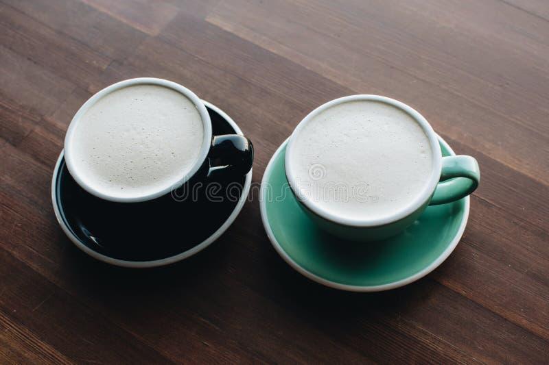 Twee koppen van R.A.F.-koffie royalty-vrije stock fotografie