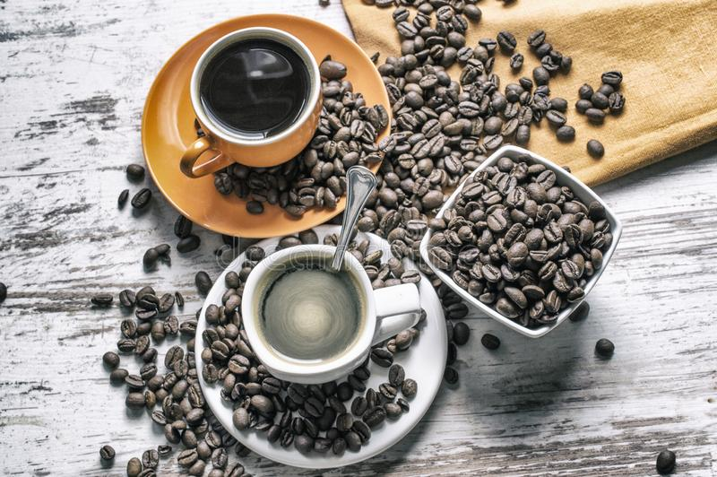 Twee koppen van sterke koffie royalty-vrije stock fotografie