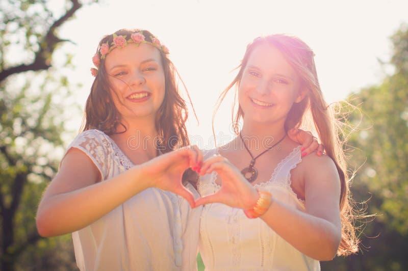 Twee meisjes royalty-vrije stock foto's