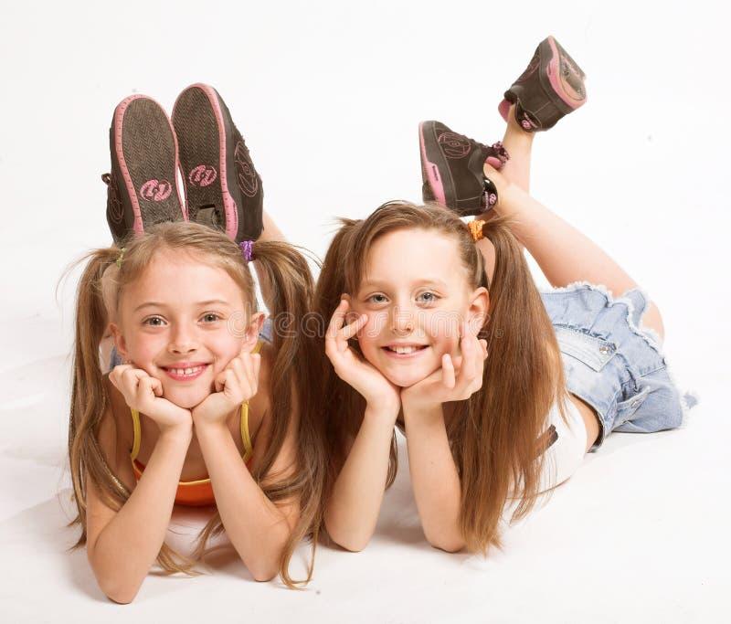 Twee mooie meisjes royalty-vrije stock afbeeldingen
