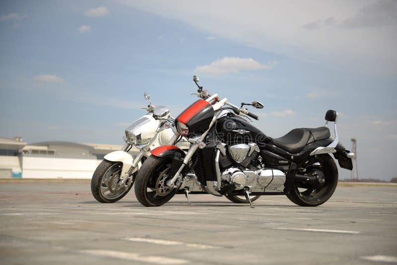 Twee motorfietsen stock foto's