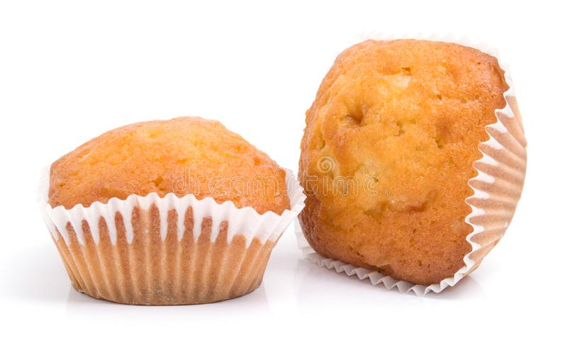Twee muffins die op wit worden geïsoleerdr stock fotografie