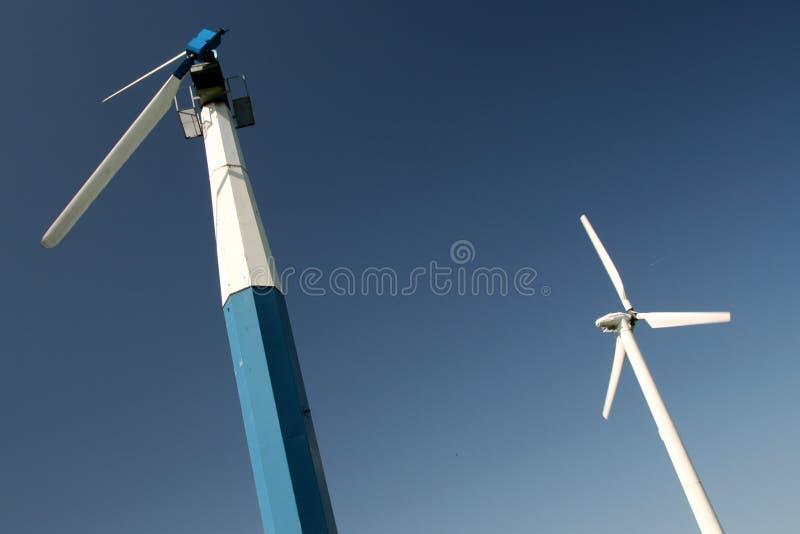 Twee oude windturbine royalty-vrije stock foto's