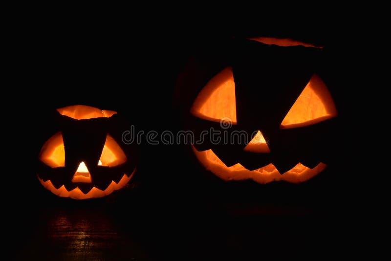 Twee pompoenen voor Halloween stock foto's