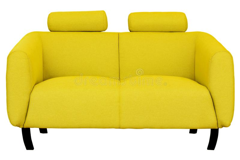 Twee-Seat gele die stoffenbank op witte achtergrond wordt geïsoleerd stock afbeelding