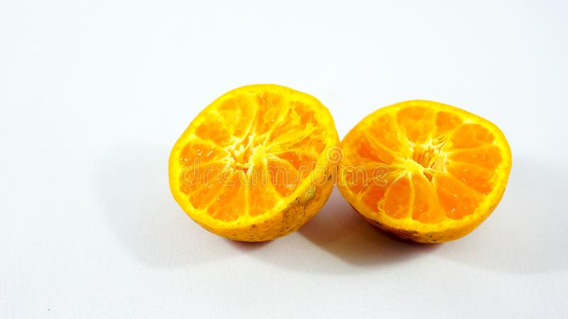 Twee Sinaasappelen op Witte Achtergrond stock afbeeldingen