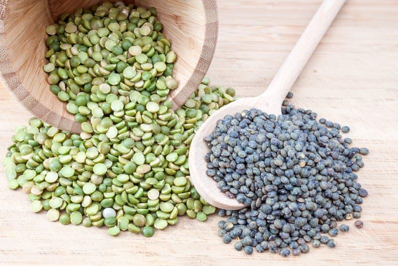 Twee soorten zaden stock foto's