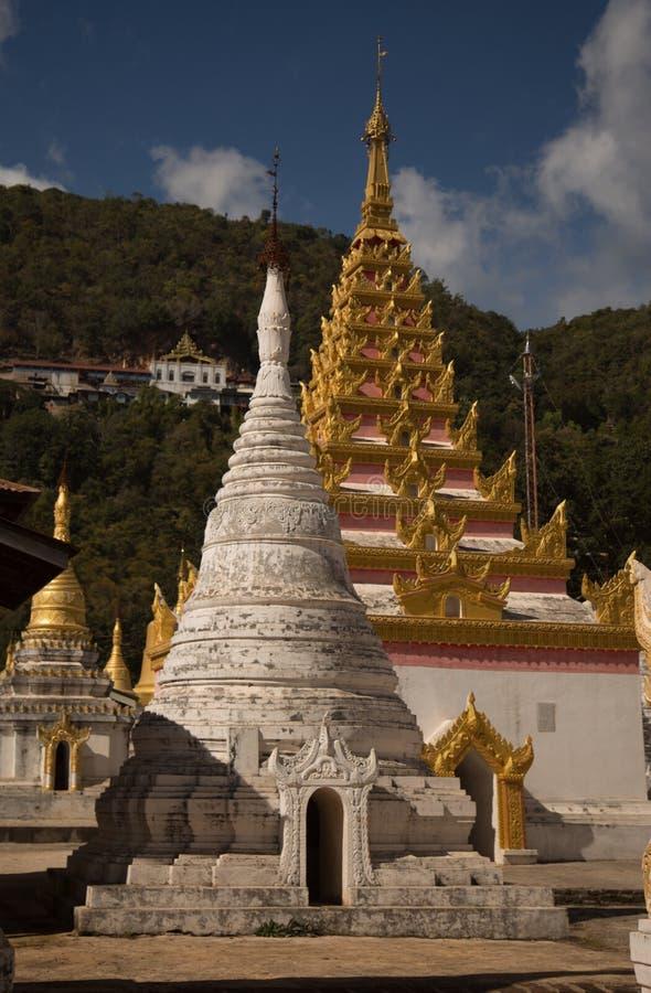 Twee stupas stock foto
