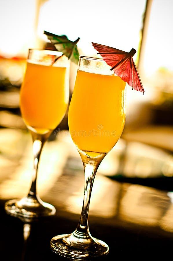 Twee tropische cocktails royalty-vrije stock foto's