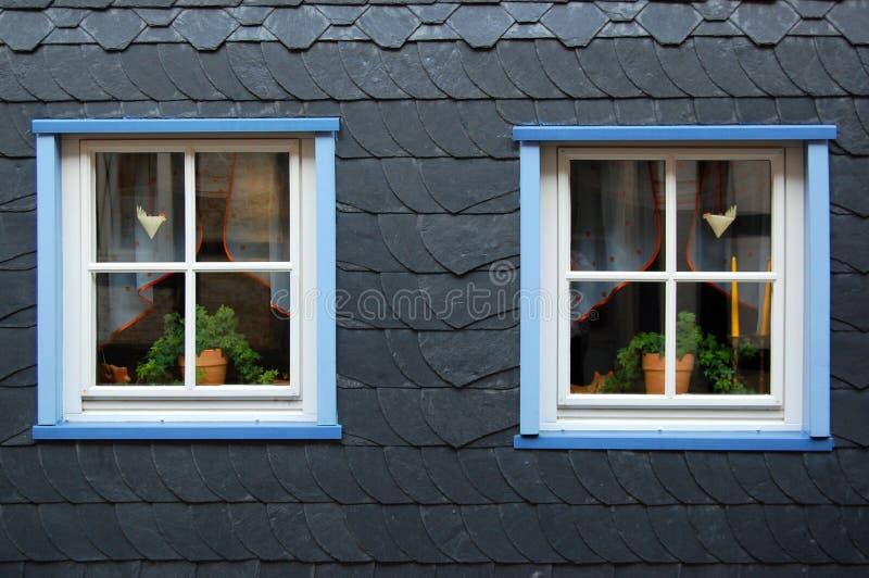 Twee vensters royalty-vrije stock fotografie