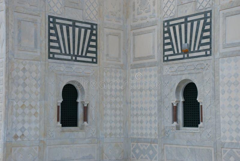 Twee vensters van moskee met brandalarm royalty-vrije stock foto