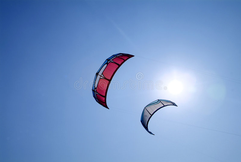 Twee vlieger surfer vliegers royalty-vrije stock afbeelding