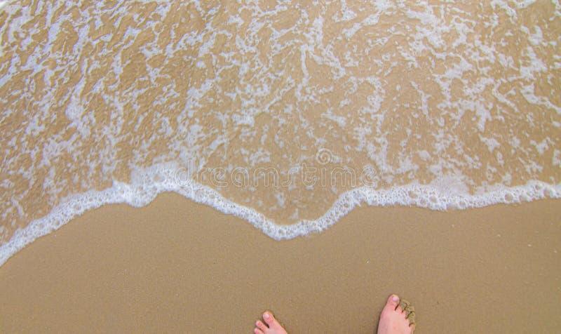 Twee Voet op het strand stock afbeeldingen
