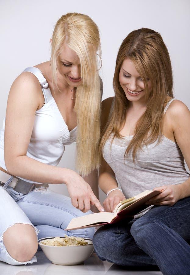 Twee vrouwen royalty-vrije stock afbeelding