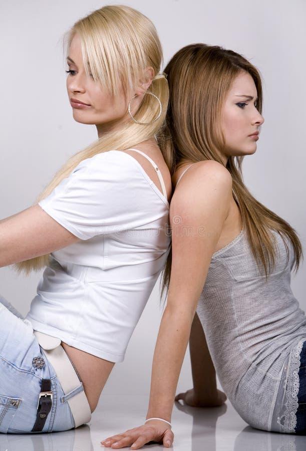 Twee vrouwen royalty-vrije stock afbeeldingen