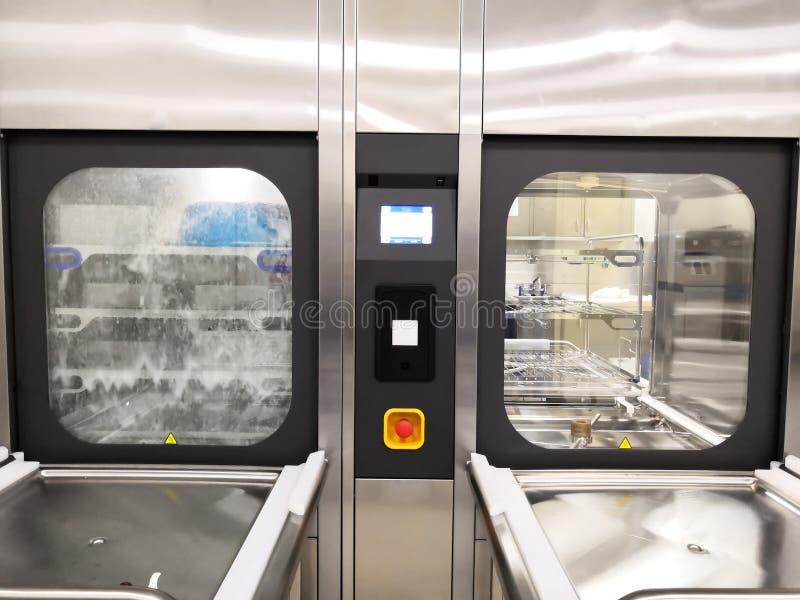 Twee Wasmachine Disinfectors royalty-vrije stock afbeeldingen