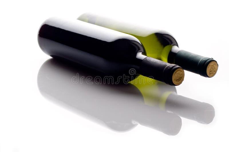 Twee wijnflessen royalty-vrije stock foto's