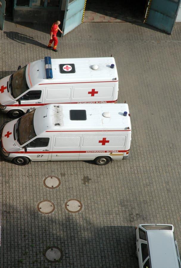Twee ziekenwagenauto's stock fotografie