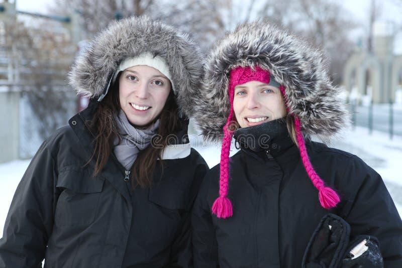 Twee zusters het glimlachen royalty-vrije stock foto's