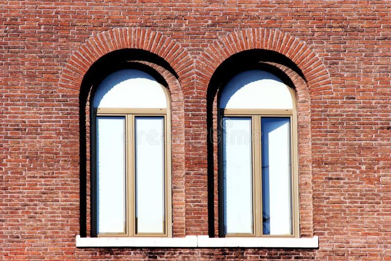 Tweeling vensters stock afbeeldingen