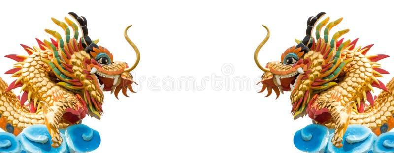 Tweelingdrakenstandbeeld op geïsoleerde achtergrond royalty-vrije illustratie