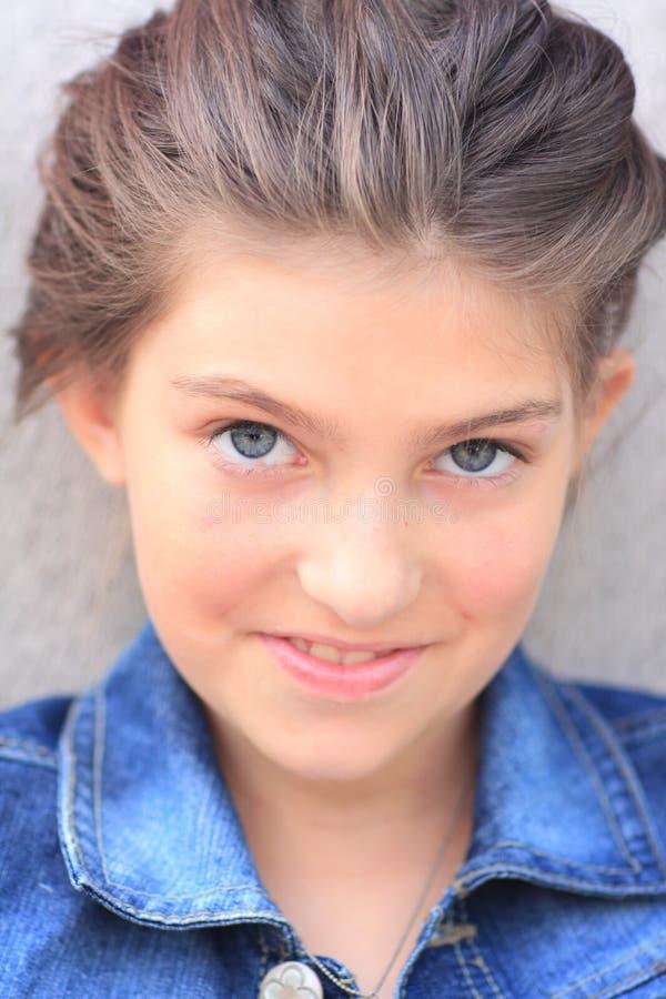 Tween κορίτσι στοκ εικόνα με δικαίωμα ελεύθερης χρήσης