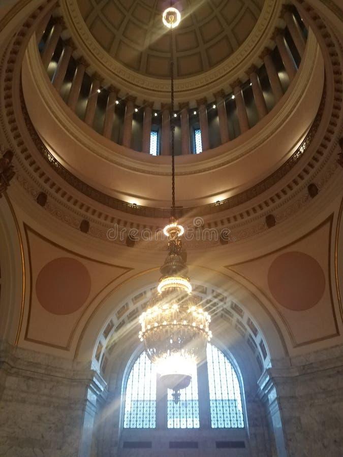 Twierdzi capitol budynek z świecznika i marmuru ścianami obraz royalty free