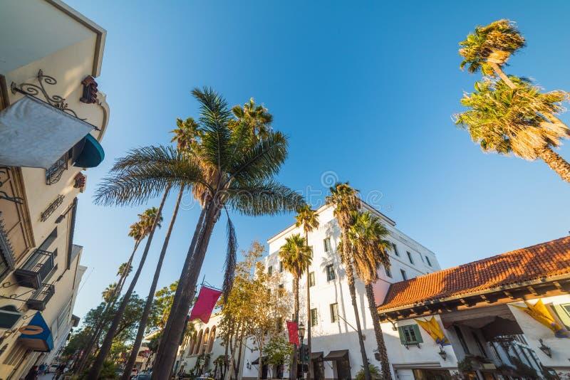 Twierdzi ulicę w Santa Barbara na jasnym dniu zdjęcia royalty free