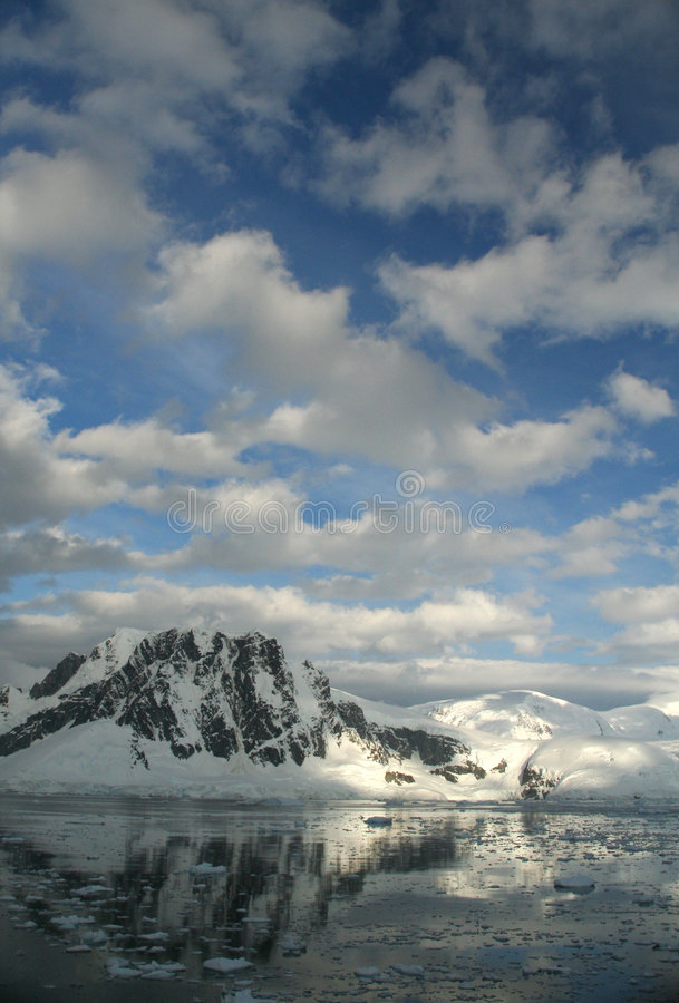 Download Twilight: Icy Mountains Reflec Stock Photo - Image of blue, polar: 2170122