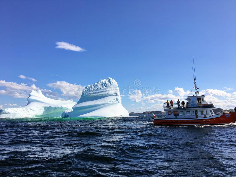 Twilingate,纽芬兰,加拿大- 2017年7月23日, :游览小船 免版税库存图片